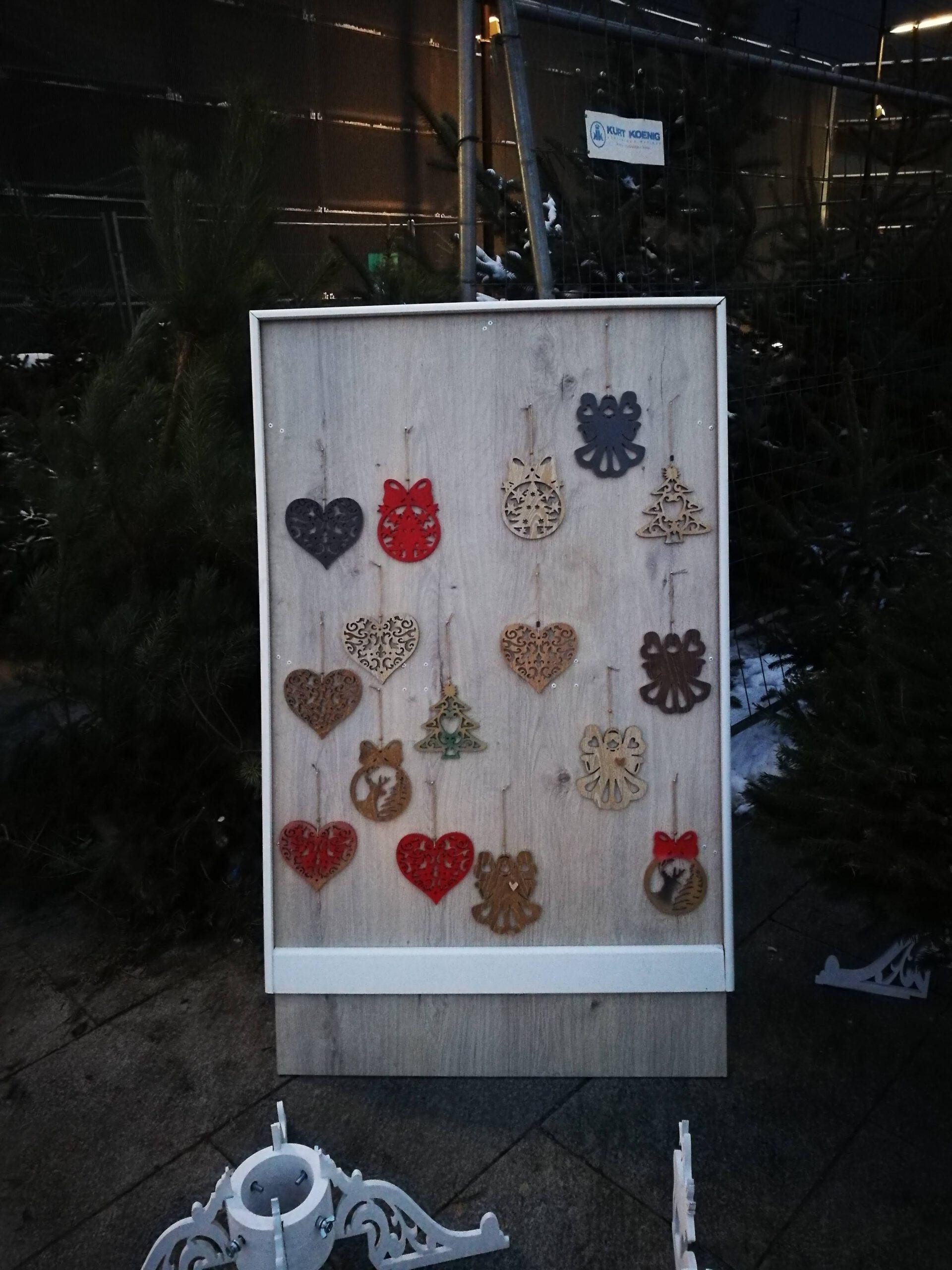 Pakabučiai Kalėdų Eglutei